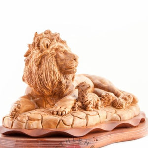 Hand Carved Wooden Lion with a Lamb - Statuettes - Bethlehem Handicrafts