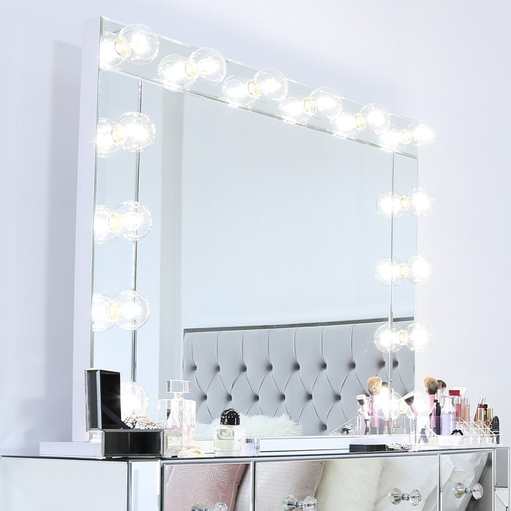 Are Vanity Makeup Mirrors Worth the Cost?