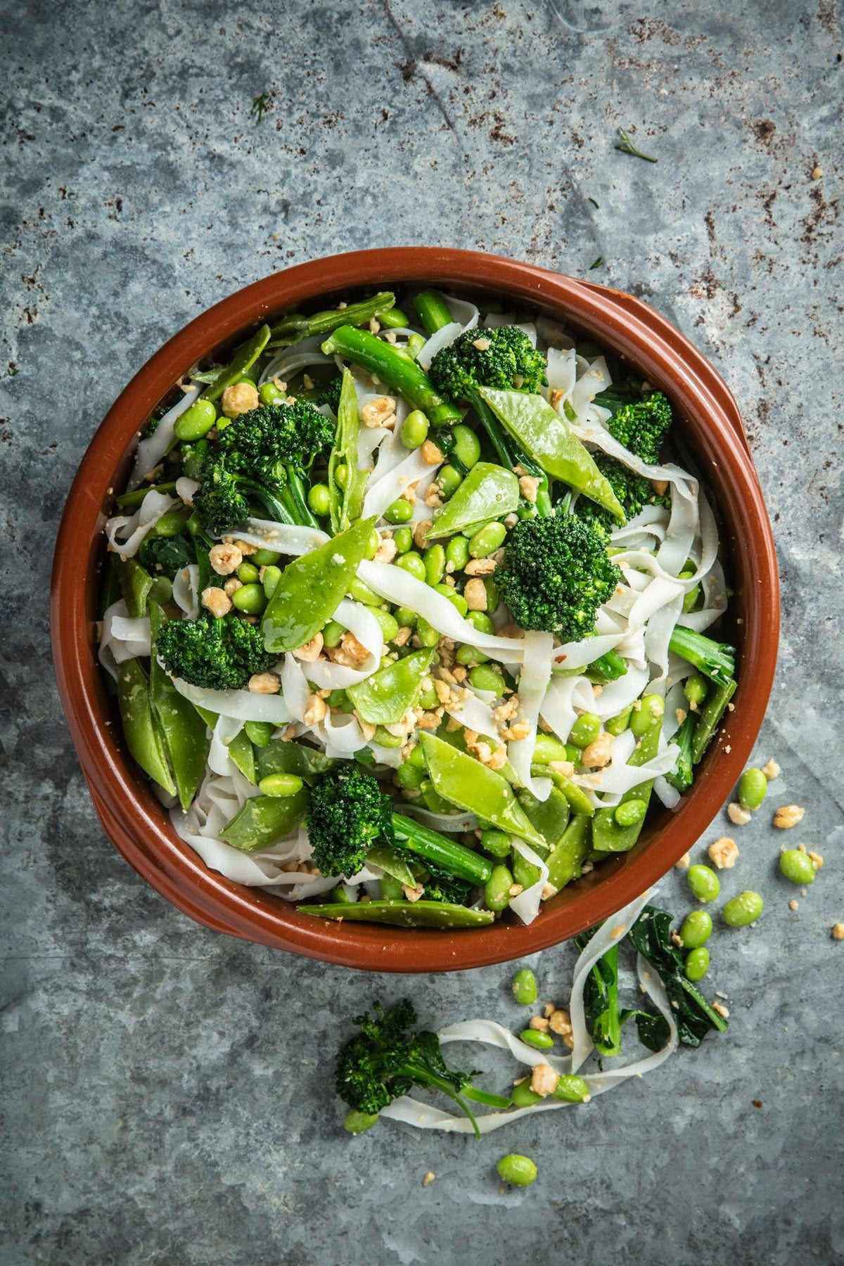 Broccoli, edamame, snow peas, hazelnut, rice noodles, chilli and lime dressing salad