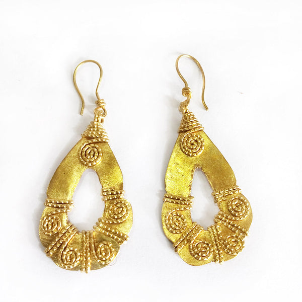 Dhokra Golden Oval Shaped Fancy Earrings Set