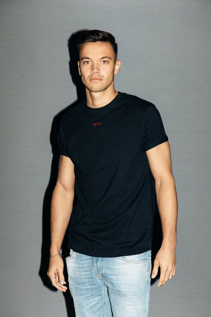 THE CLASSIC T-SHIRT - BLACK
