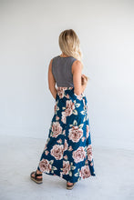 Load image into Gallery viewer, Watch Me Bloom Contrast Maxi Dress