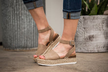 Load image into Gallery viewer, Topic Espadrille Platform Sandals - Natural