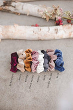 Load image into Gallery viewer, Rib Velvet Scrunchie