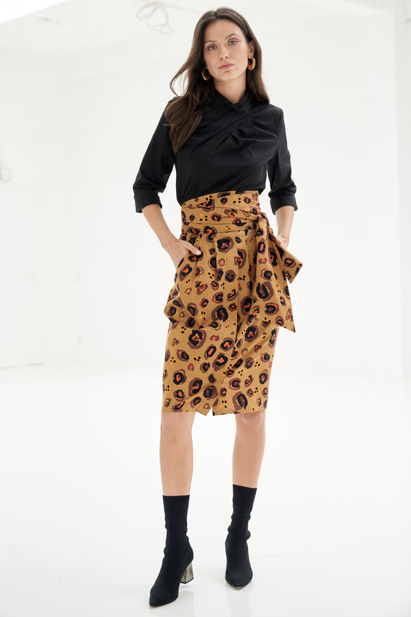 Skirt with button bar and safari print