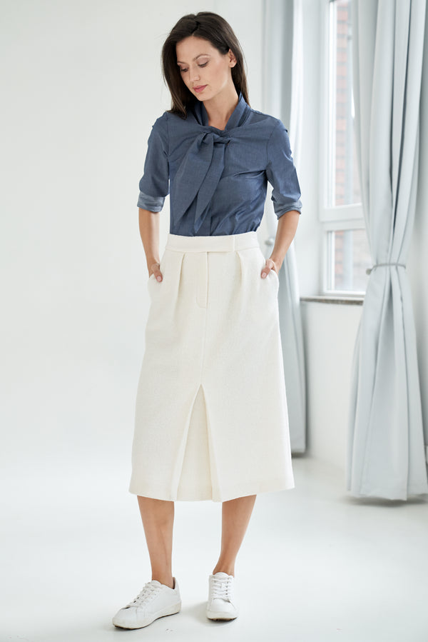 Pencil skirt with wool-blend white