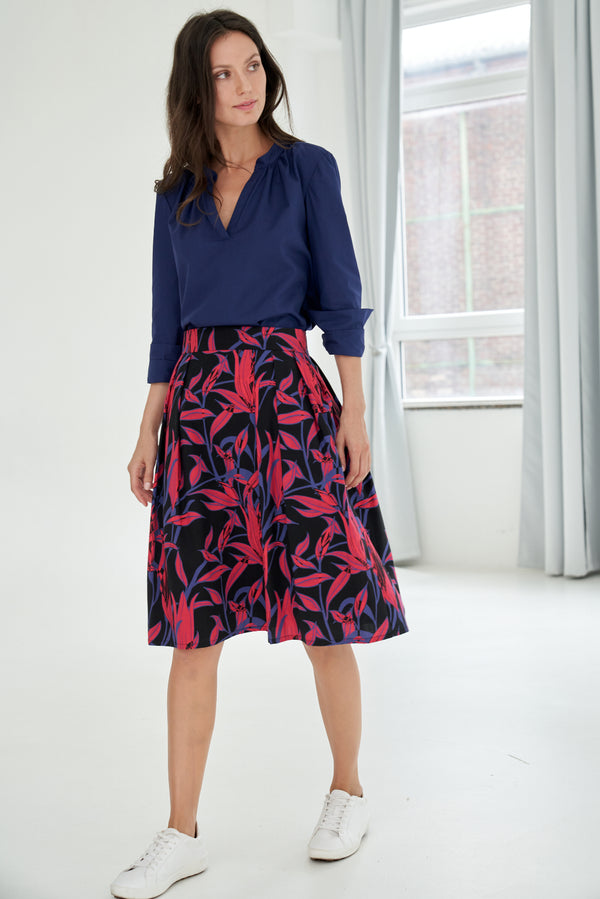 A-line skirt with leaves print