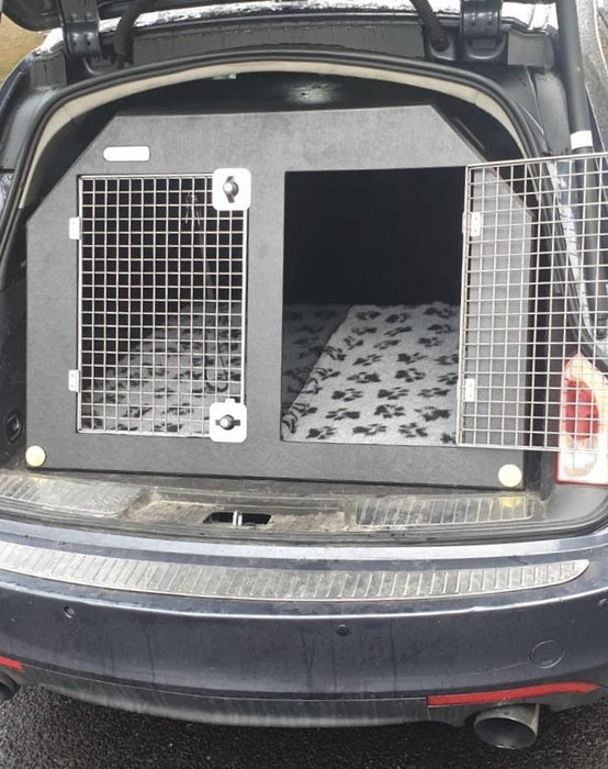 Dog travel crate for Vauxhall Insignia 2008–2017 DT Box DT BOXES