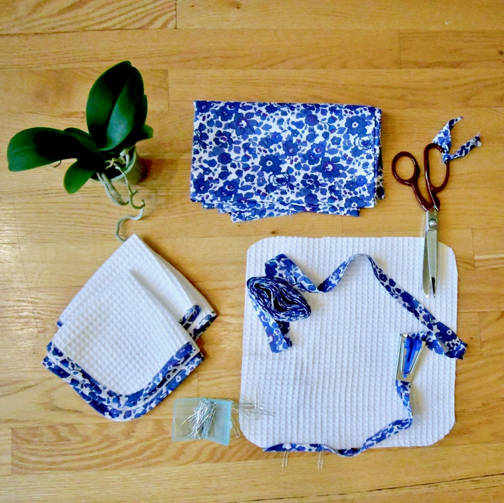 Liberty trimmed washcloths: Make and apply bias binding - Lakes Makerie - Minneapolis, MN