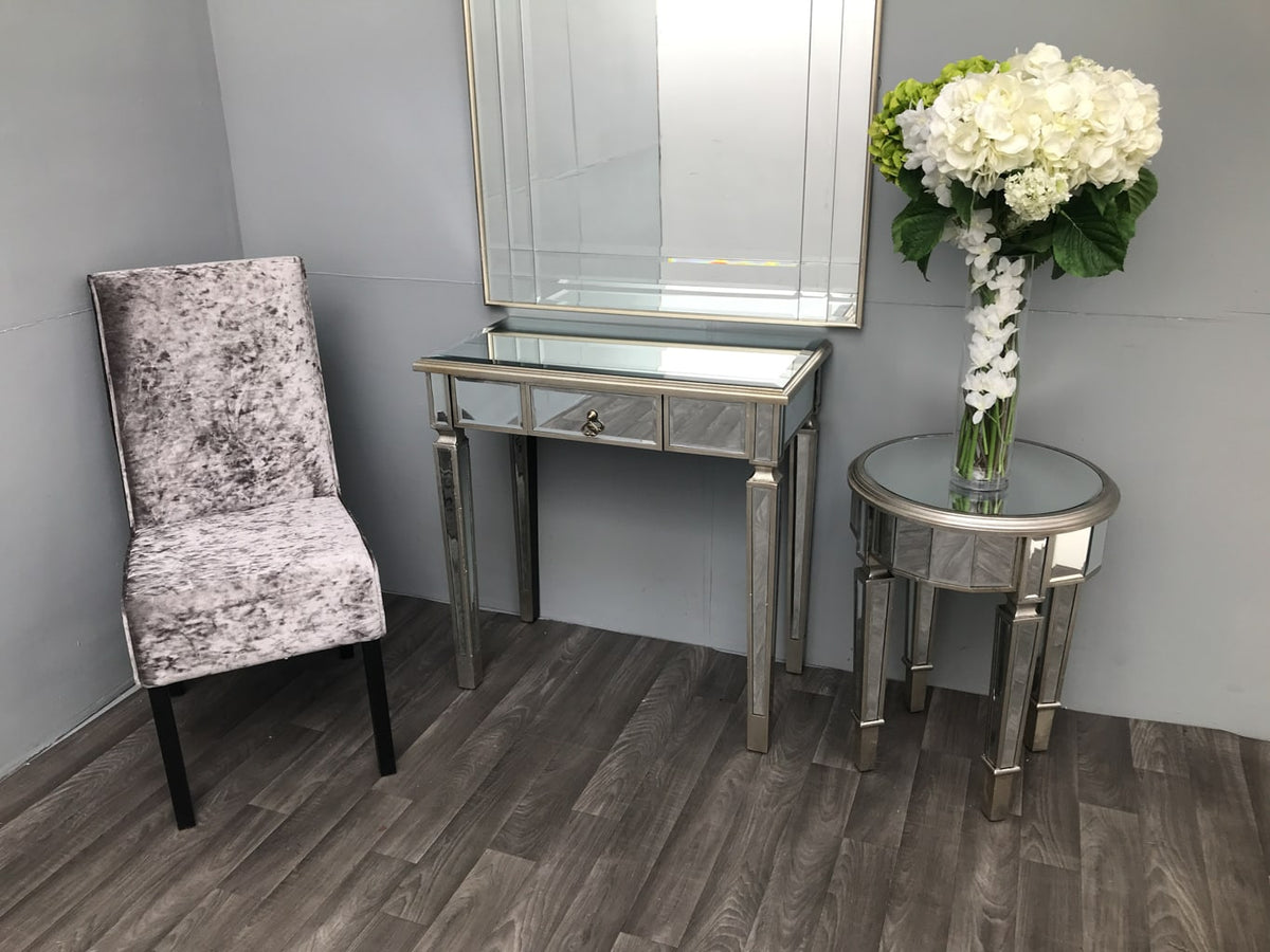 Charleston Mirrored Console Table with a single drawer