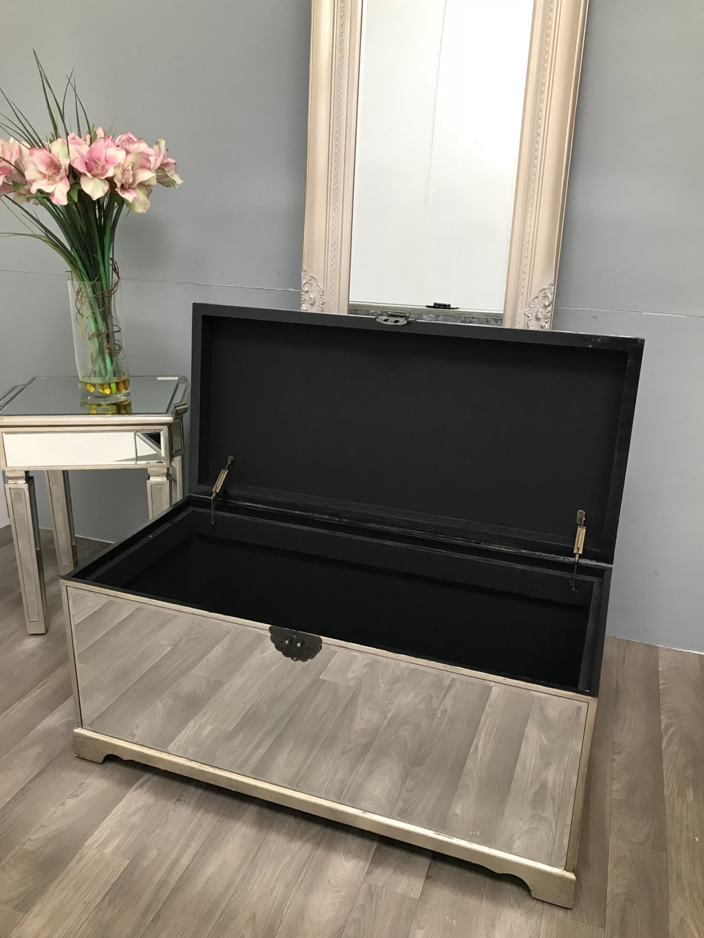 Mirrored Trunk Blanket Storage Ottoman