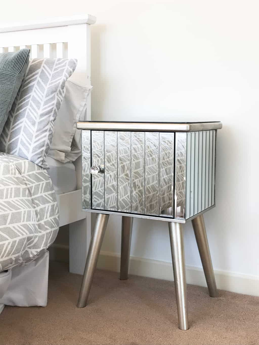 Mirrored Bedside Table Cabinet » Crystal knob