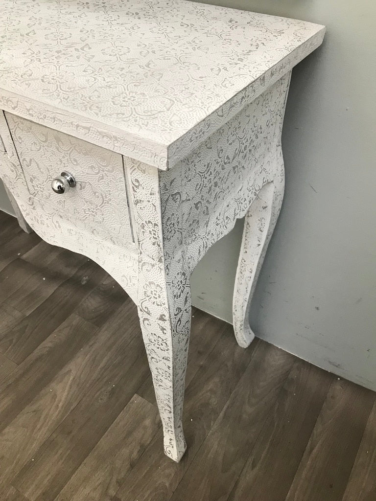 White Repousse Dressing Table 3 Drawers Flowered Coating