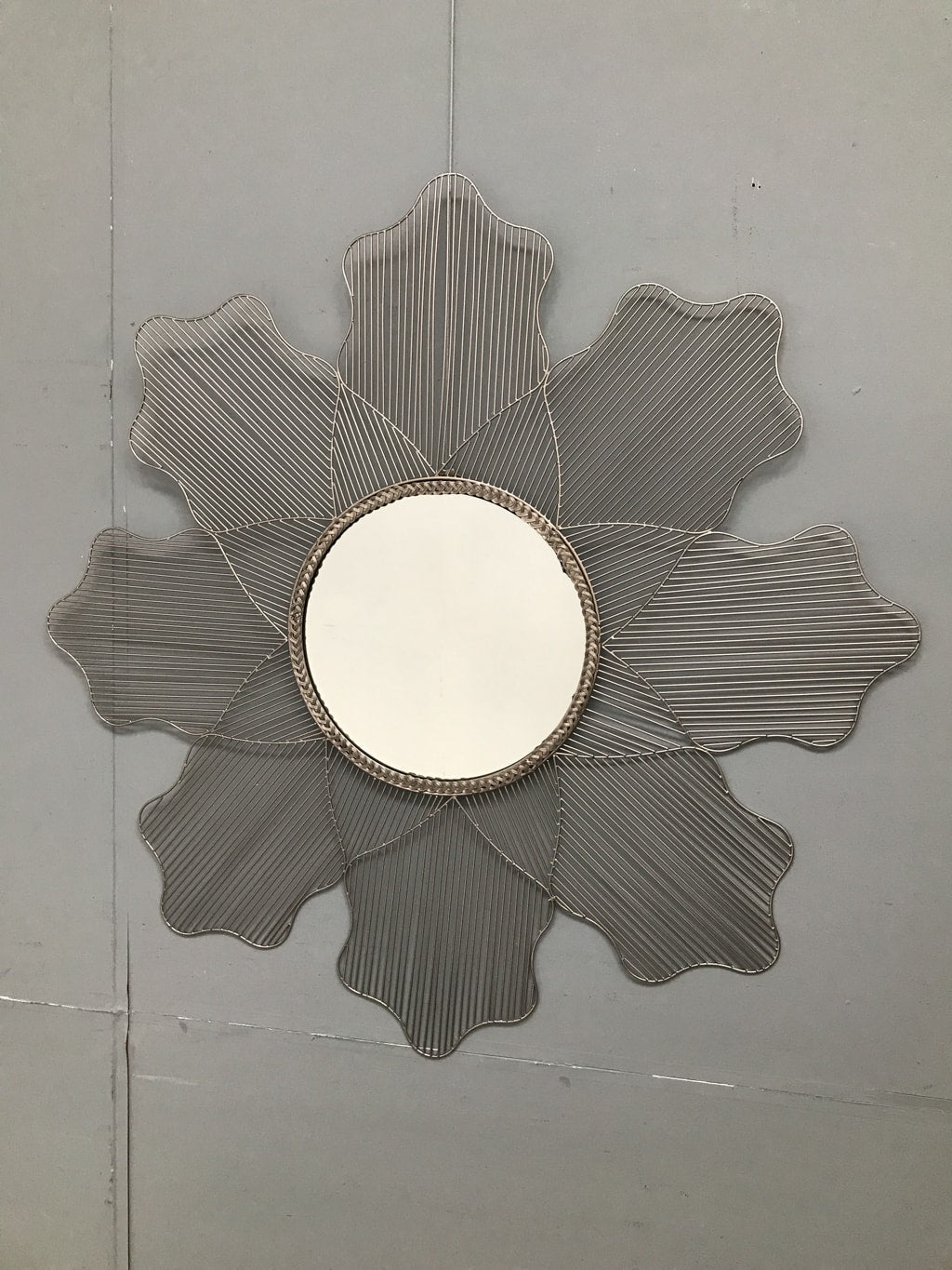 Round Mirror in Silver Metal Finish