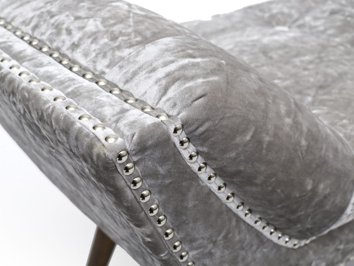 Chaise Longue in grey velvet and stud detailing