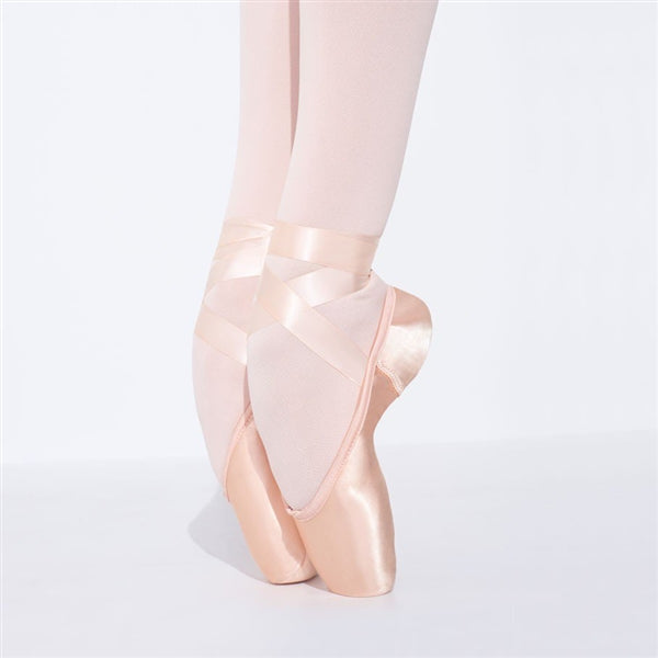 Capezio Airess Broad Toe (MaxiFirm) Pointe Shoe, Style 1132