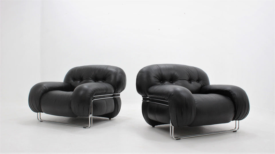 big leather armchairs design 1970s  Guido Faleschini for Mariani