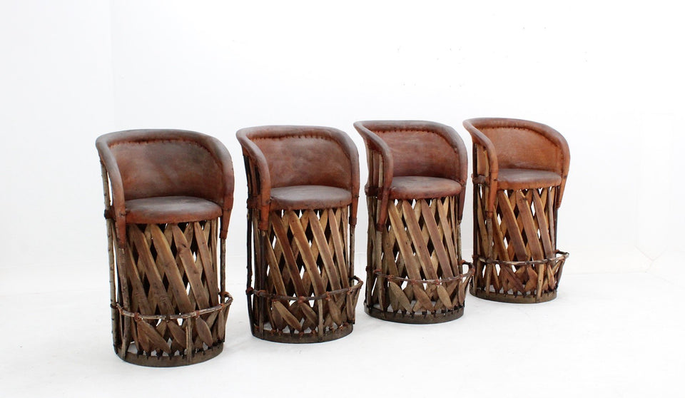 Vintage cow leather and wood stools 1970s, sgabelli in legno e cuoio anni 70