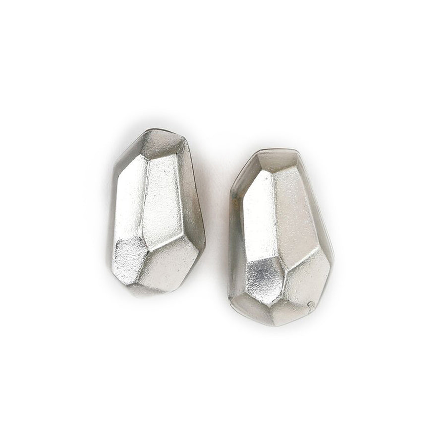 FACETED FREEFORM STUD EARRINGS SILVER FOIL/RESIN
