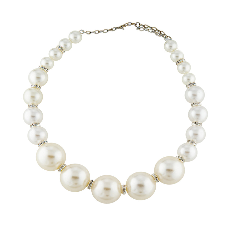 CRYSTAL AND FAUX PEARL SINGLE STRAND NECKLACE. WHITE PEARL