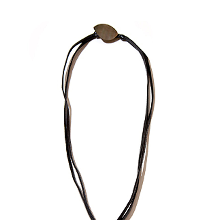 SINGLE FACETED MOP PENDANT ON LEATHER BLACK MOP