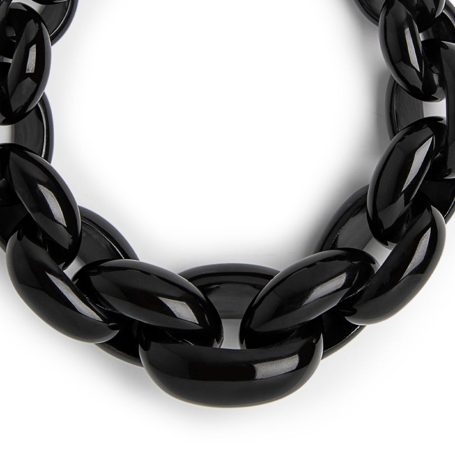 STATEMENT LINK NECKLACE. BLACK