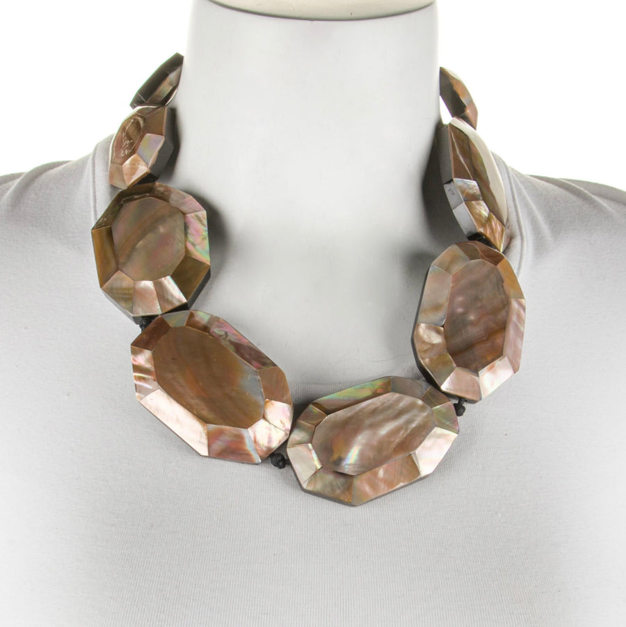 FACETED MOTHER-OF-PEARL STATION NECKLACE. BLUSH