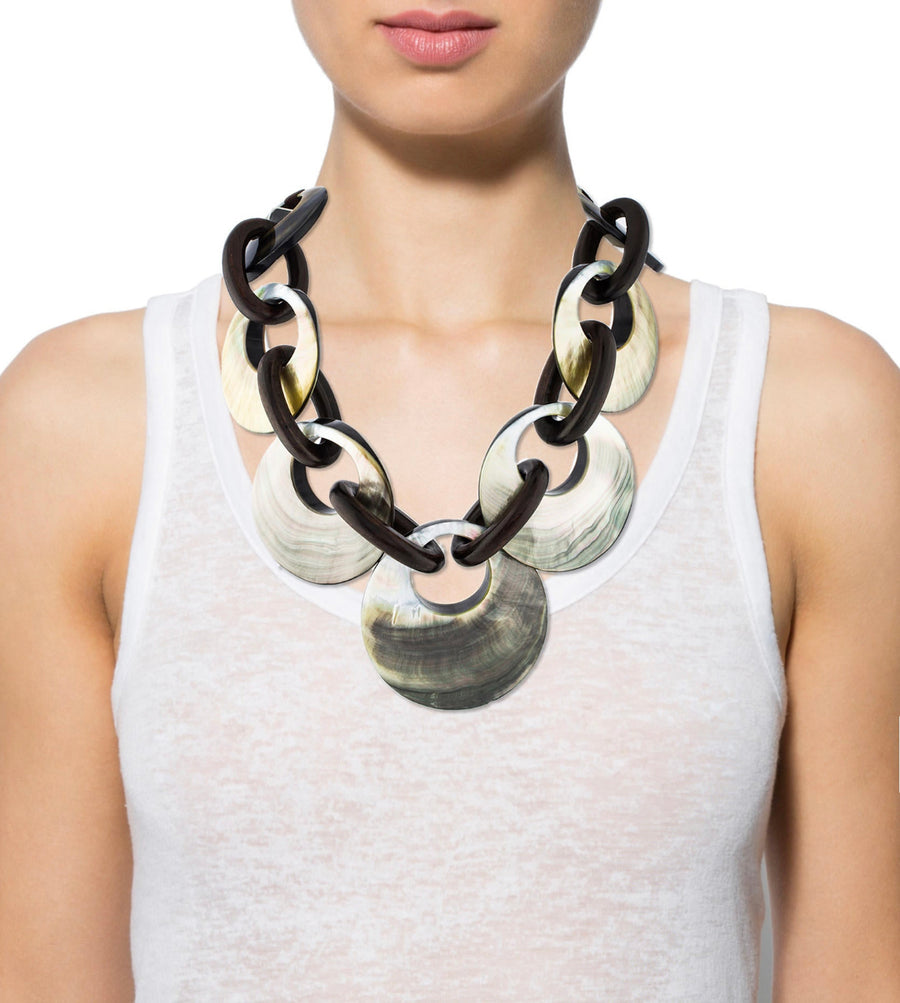 CIRCULAR MOTION MOTHER OF PEARL AND WOOD LINK NECKLACE