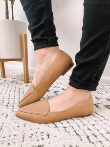 Tan Pointed Flats