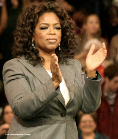 Oprah Winfrey clapping during a show / Wikimedia Commons