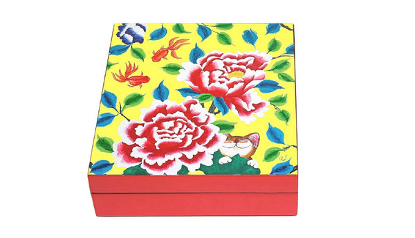 Lacquered Square Box-Sweet Pairings in yellow (red)