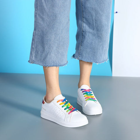 Flat-Bottomed Sneakers