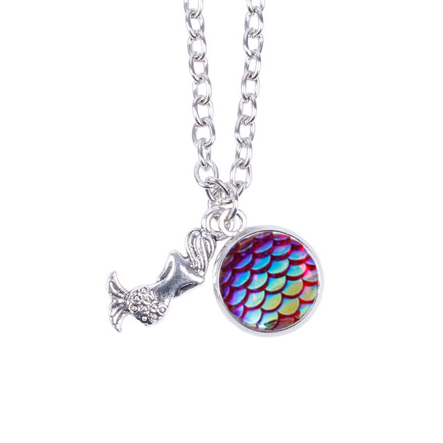 Gemstone Colorful Mermaid Scale Resin Pendant With Silver Necklaces for Women