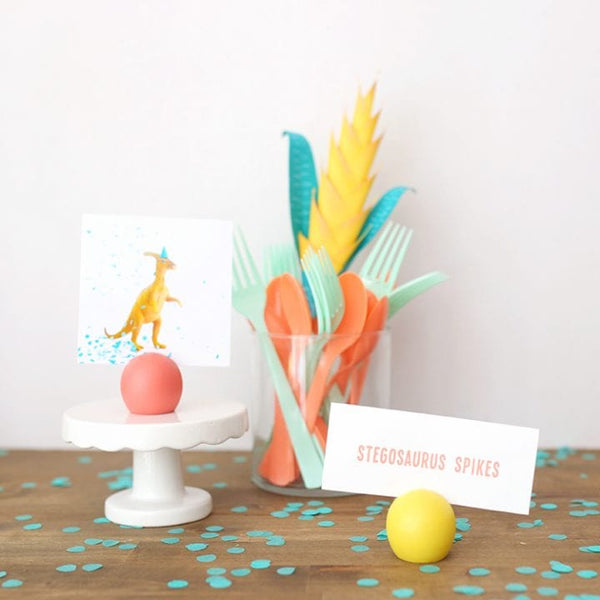 Make these DIY place card holders in any colors for your next party.
