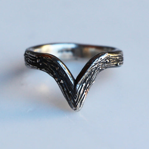 Wishbone Ring: Deep V