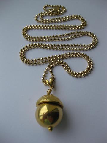 Gold Ampleforth Acorn Pendant