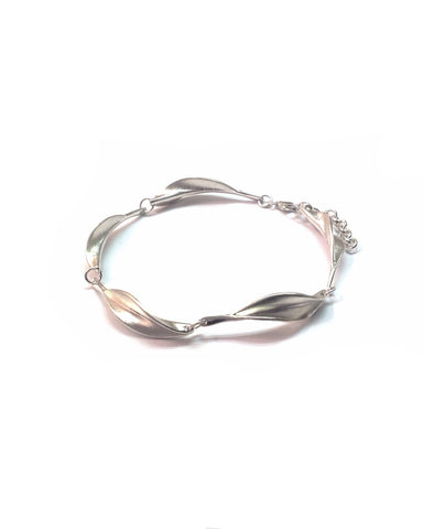 Leaf Silver Bracelet - Collette Waudby - Monkey Puzzle Jewellery