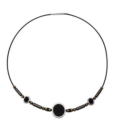 Necklet with Steel and Onyx.