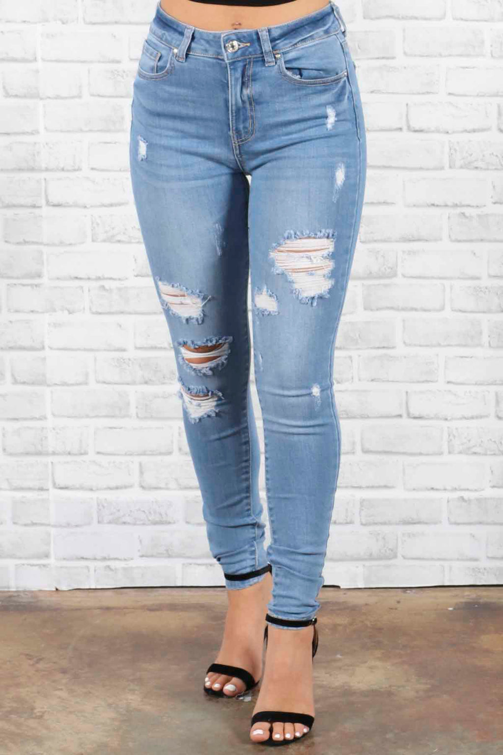Riley Distressed Jeans