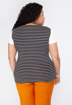 T-Shirt Plus Size Love Myself - Preto
