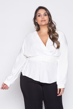 Blusa Plus Size Transpassada Lisa - Off White