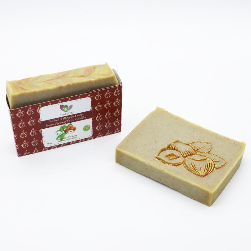 Detoxifying and toning, this soap will purify and renew your skin. The rhassoul clay, as well as the quality oil blend, cleanse the skin deeply absorbing impurities, giving a fresh and natural appearance.