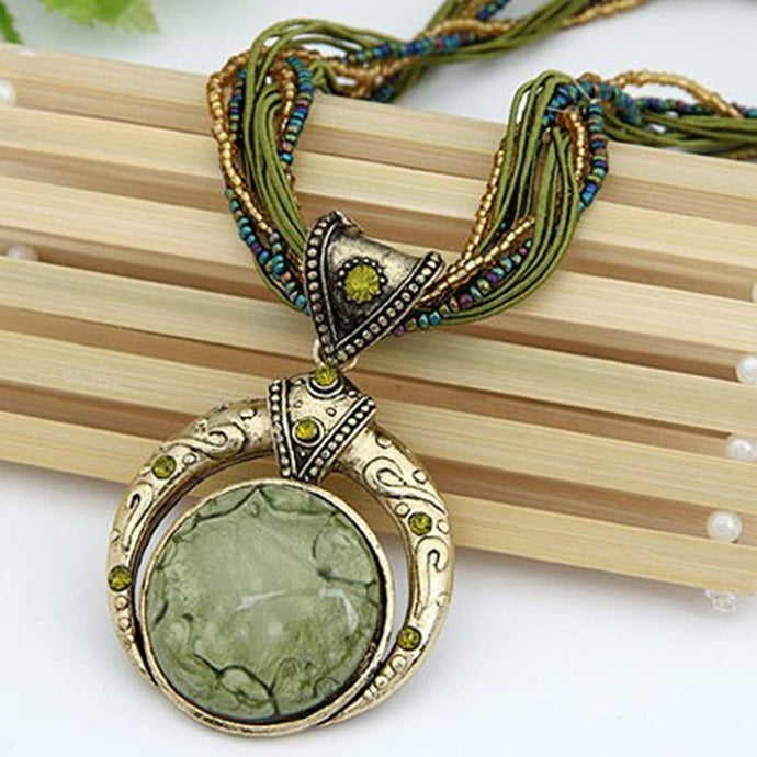 Elegant Stone Vintage Necklace - Green