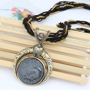 Elegant Stone Vintage Necklace - Black
