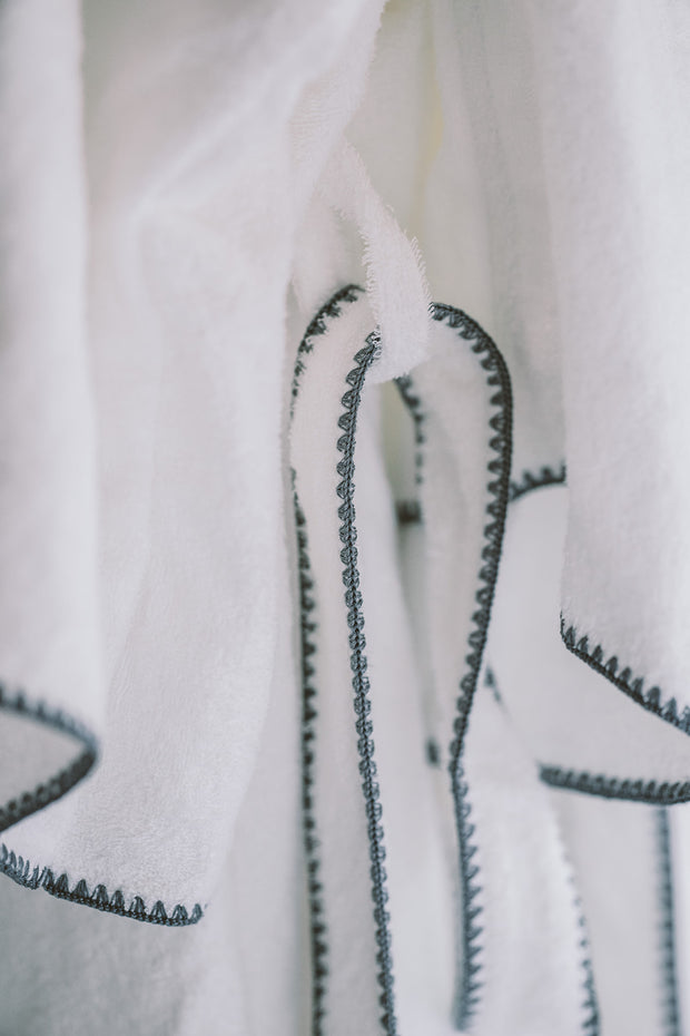 Madison Collection Borado Shawl Bath Robe detail