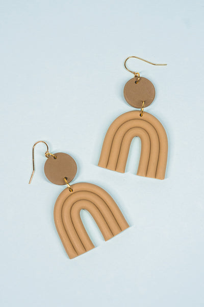 Esmé Earrings in Latte