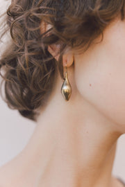 IBIS ELEMENT Taenaris bronze earrings on model