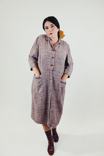 1940's brown linen midi dress with front buttons and pockets front