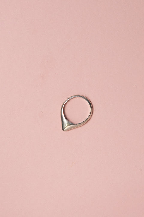 IBIS ELEMENT APPIAS ring silver on pink