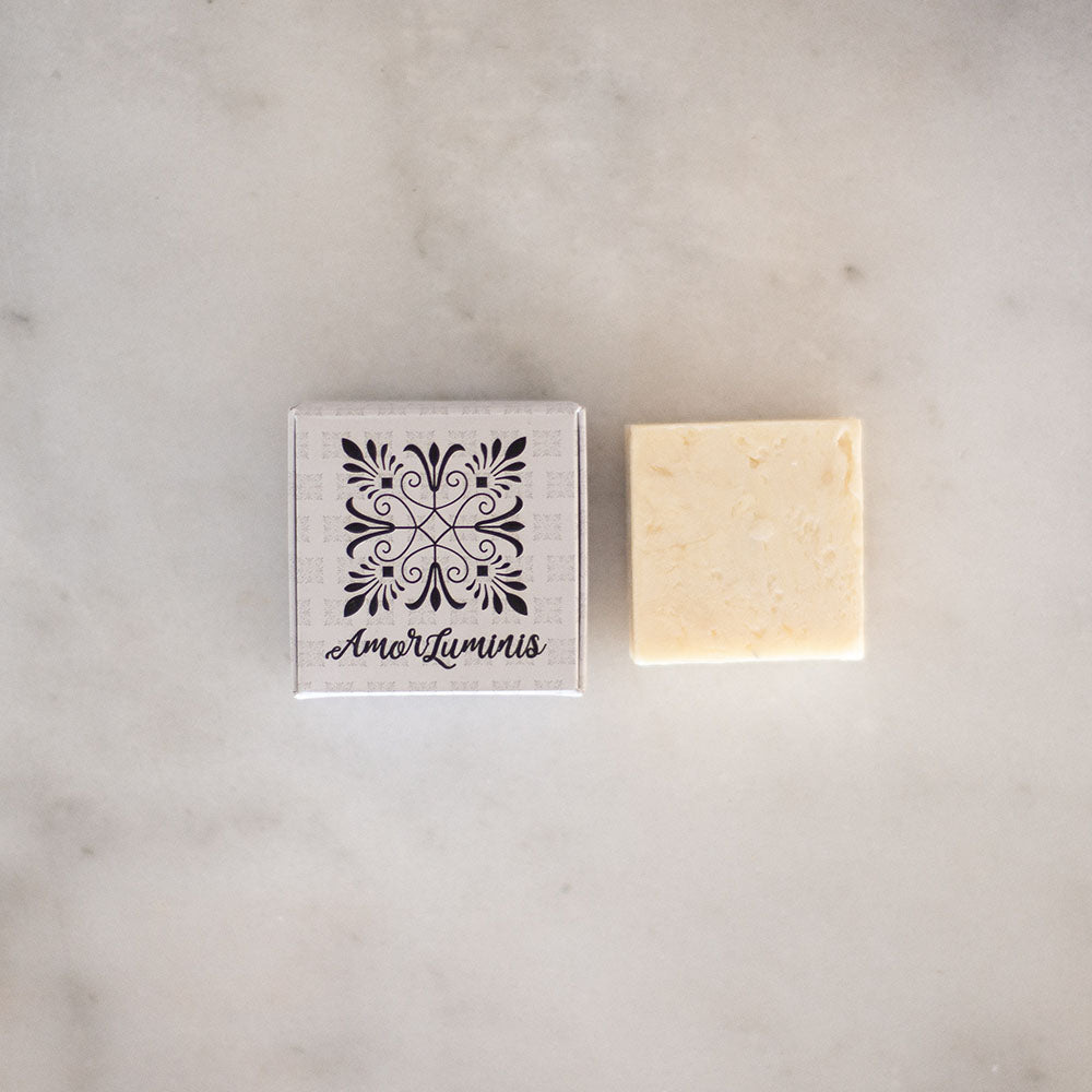 Amor Luminous Shampoo Bar - Pearl - Dandruff
